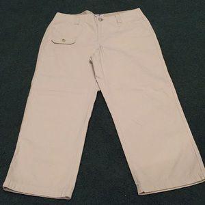 Columbia khaki Capris Size 6